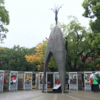 ヒロシマからの道「原爆の子の像に畳み込まれたことばの意味」