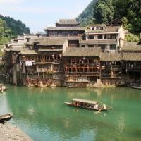 【妄想世界一周 Vol.2】中国の伝統的な街並みが残る、鳳凰古城