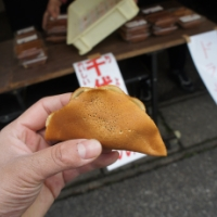 粟島の日常に溶けるお菓子。ロングセラーの「千代華」を味わう【旅レポ】