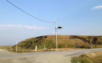 東日本大震災・復興支援リポート 「草の生えた瓦礫の山」