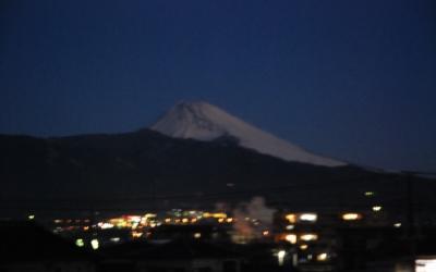 発見・今日の一枚「めぐる季節と月夜富士」