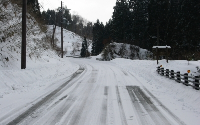 雪道での車の運転