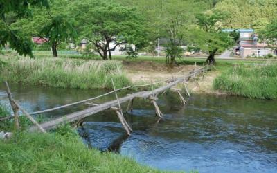 流されるたびに再生されてきた松日橋
