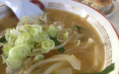 明日を目指すお店リポート:久之浜「からすや食堂のラーメン&餃子」