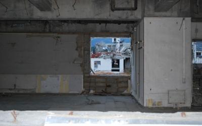陸前高田の町なかに残されたビル