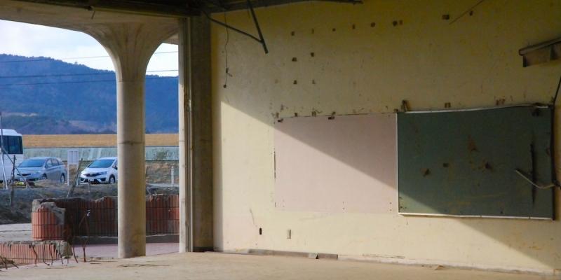 陽光が差し込む教室