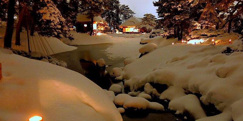 【東北のイベント】雪の中に一万の蛍 ~ 会津絵ろうそくまつり~