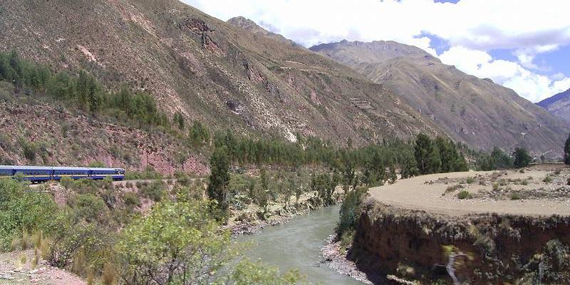 【世界一周の旅・南米編 Vol.3】アンデスの高地をゆく、ペルーレイル