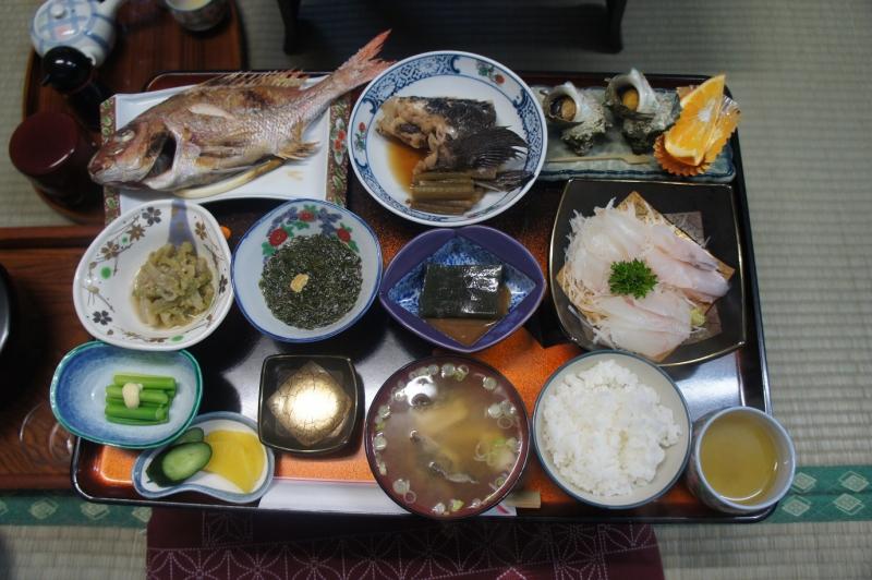 とある日の民宿「金三郎」の夕食
