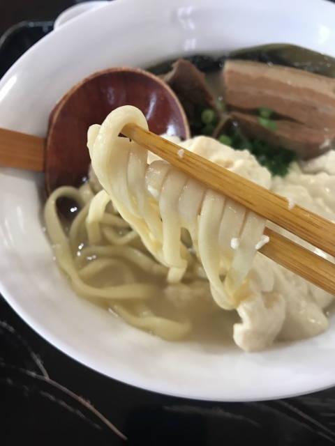 麺が神々しい!!!