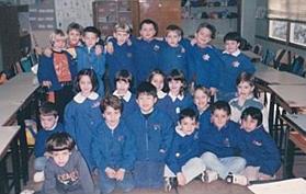 イタリアで過ごした6歳頃。前列センターが一馬少年。