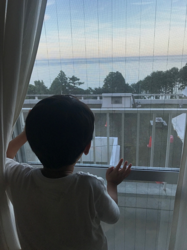 この宿も高台にあり、きれいな海が一望できます。