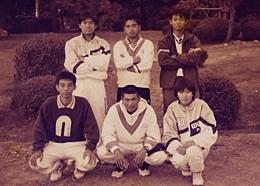 中高大と続けてきたのはテニス。大学時代は主将も務めた。