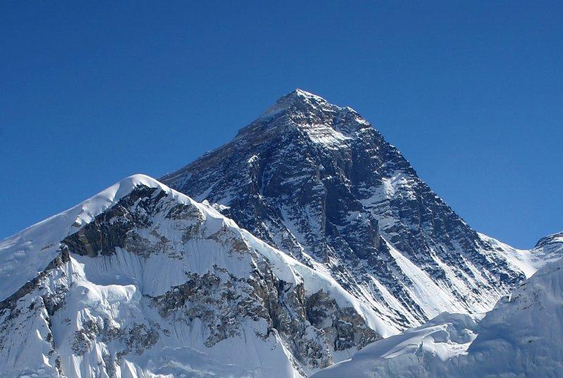 世界最高峰・エベレスト