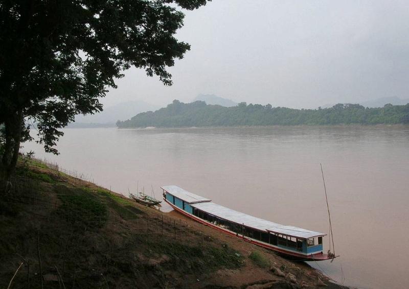 メコン川がゆったりと流れるラオス