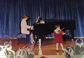 3歳の時、初めての発表会にて。
