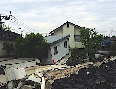 繰り返される震災について考えるため、被災地の住宅写真を掲載させていただきました
