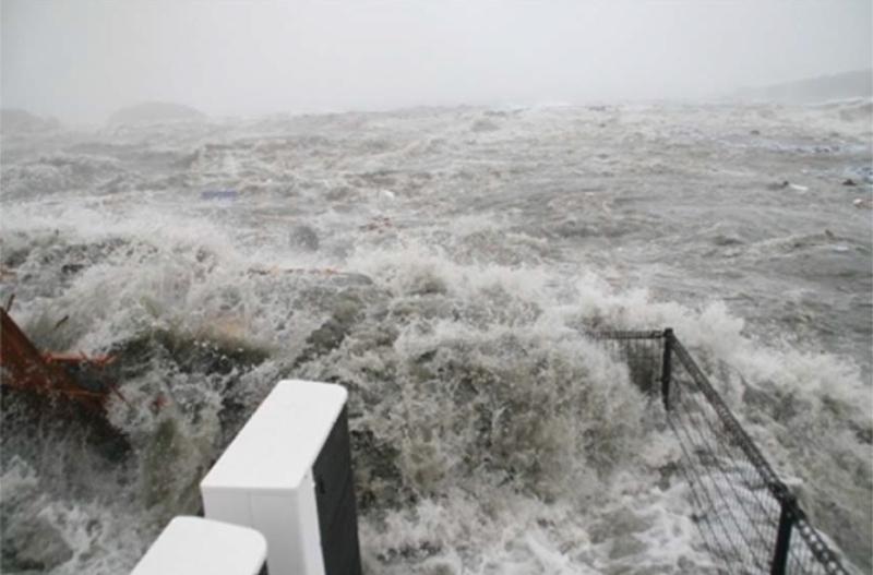 津波に襲われた時の防災庁舎屋上。出典元:南三陸町WEBサイトより