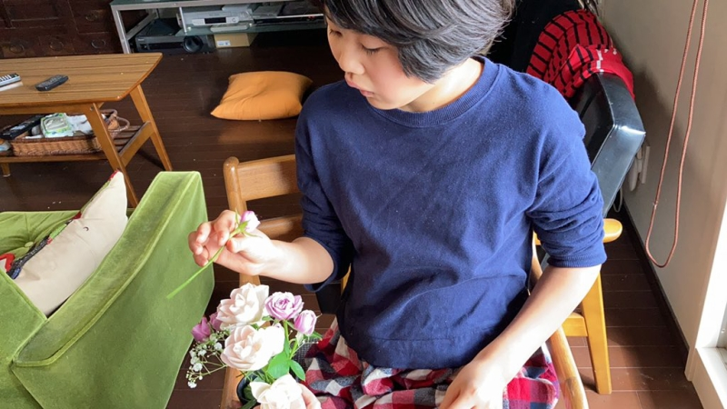 ばあばの誕生日などには花をあげるのが恒例になっているので