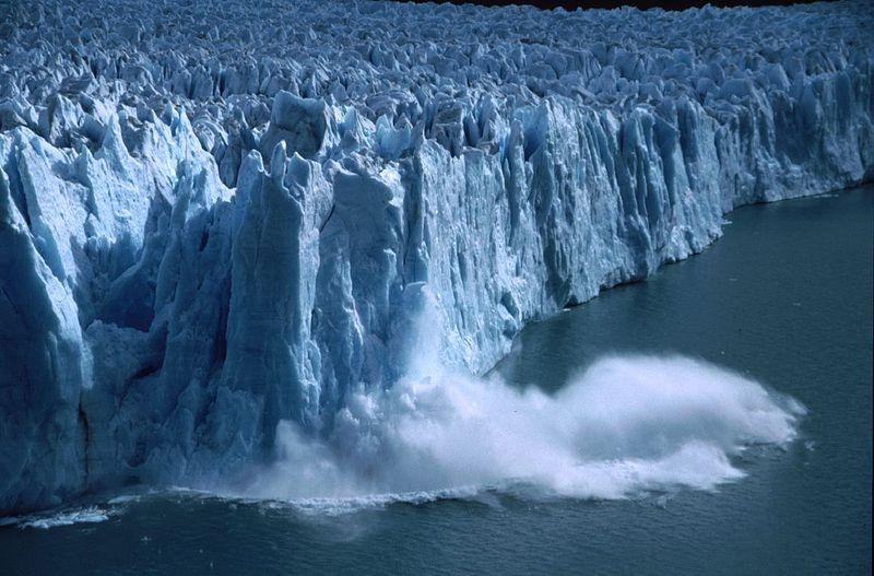 湖でも津波が発生する可能がある(※イメージ)