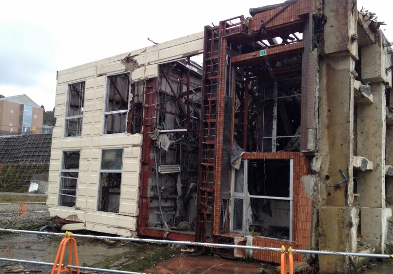 何度見ても、建物の縦横が分からずに目がおかしくなったような感覚だった(2012年10月)