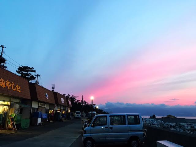 この日はとてもきれいな夕焼けでした。また仕事を頑張るぞ!という活力をもらえました。