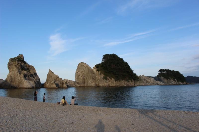 約5,200万年前に形成されたという浄土ヶ浜。美しくも不思議な光景が広がっています。