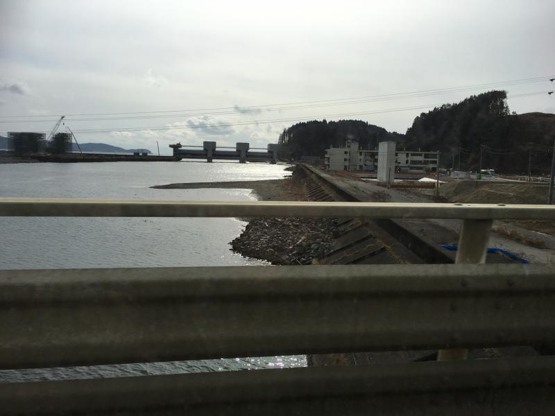 震災後にできた水門。震災時に気仙川は水門がなく、川からの津波によって大きな被害を受けたといわれています