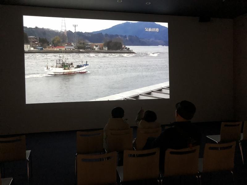震災時の映像を見て子供たちが話しをしていました