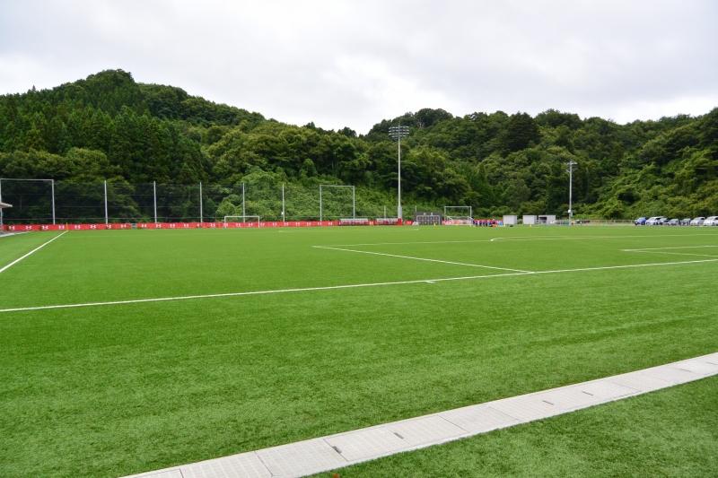 サッカーコート1面、フットサルコート2面が取れる広大なグラウンド