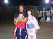 """アテネオリンピックの時の家族写真。""""父親がオリンピックに出場する姿を見せたい""""と長女を連れて行った"""