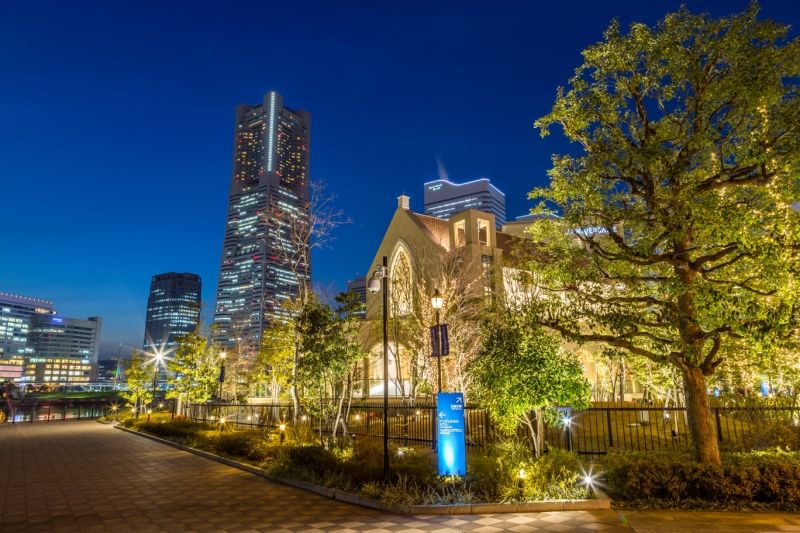 アニヴェルセルみなとみらい横浜と横浜ランドマークタワー