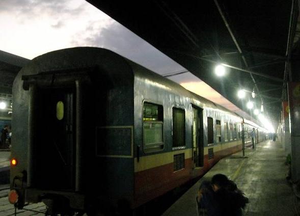 ベトナムの寝台列車。サイゴン駅にて