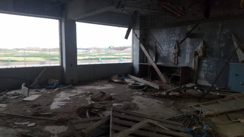 南校舎1階の校長室。当時部屋に置いてあった金庫などは教員が4階まで運びました。
