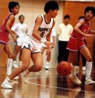 中学から始めたバスケでメキメキと実力を伸ばし、高校は強豪の東亜学園へ進学した。