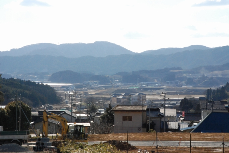 高台に移ったみつわ飯店さんからは、工事が進む陸前高田の街並みが見渡せます。