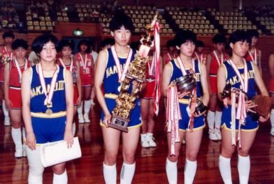 中学3年生で全国大会優勝。中野区立第三中は越境入学も多いバスケットの名門校。