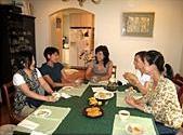 マダム対象クラス終了後の談笑風景。料理もおしゃべりも楽しい!