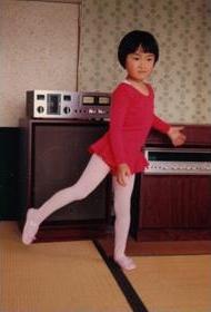 バレエを習い始めた頃。母は常に「あなたならできる」と声をかけてくれた