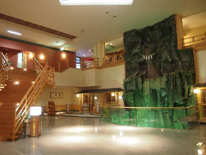 泊まったホテルは「ホテル十和田荘」