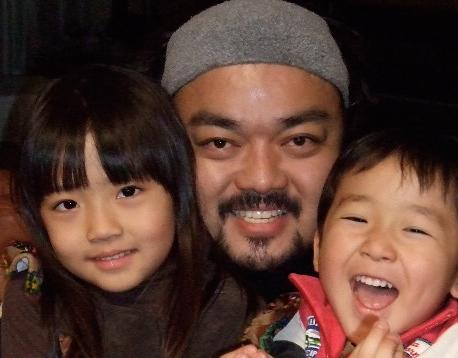 娘(小2)と息子(5歳)は、躾は厳しくのびのび育てるのが信条。