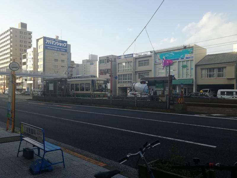 本川小学校から相生橋に向かう途中の路面電車