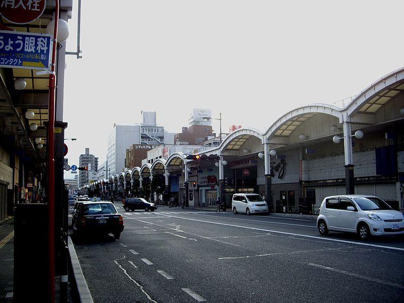 岩国駅前の商店街