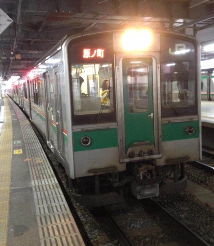 こちらの電車に乗りました。ドアの開閉が手動(ボタン式)なのを見て、東北にいる実感が湧いてきました!