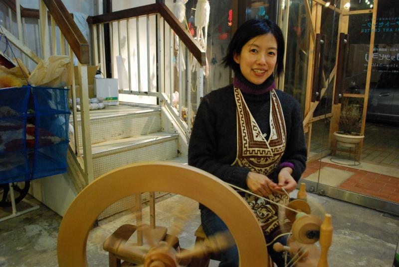 手紡ぎ作家の吉田麻子さん
