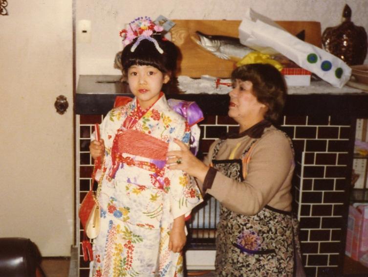 実家は美容室経営で七五三の着付けも祖母にしてもらった。