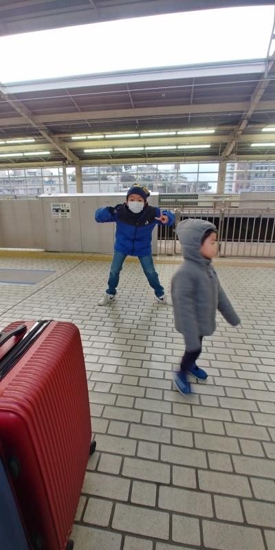 子供達は電車が来るのが待ち遠しい様子!