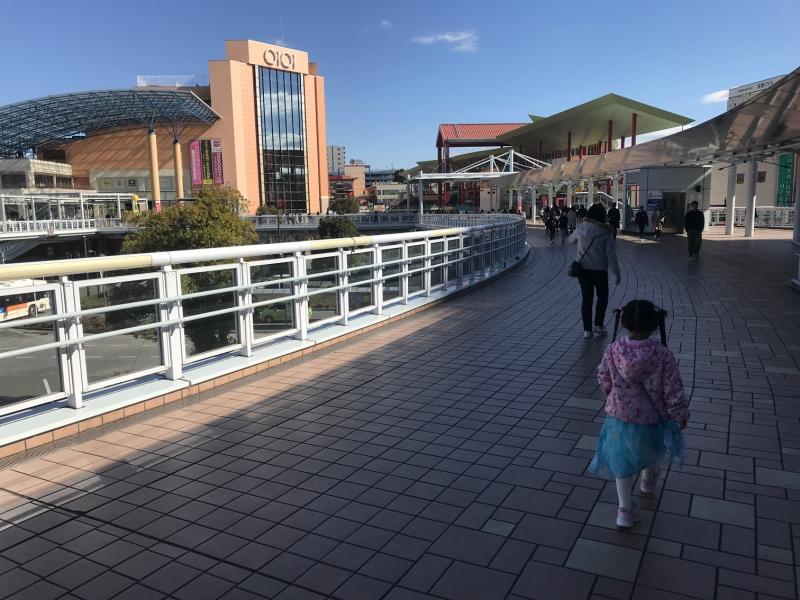 海老名駅前の様子です。ここからスタート。駅前はかなり盛り上がっています。ここには映っていませんがららぽーともあるんですよ。