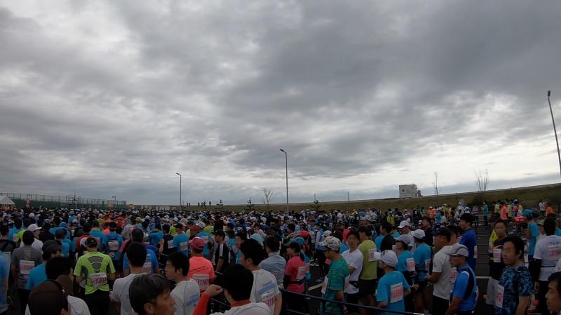 フルマラソン参加者は約1万人。