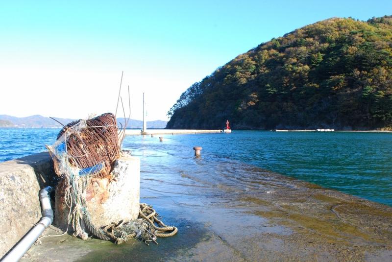 津波被害が残る石巻市雄勝町船越の埠頭(2012年)